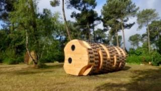 Оригинальный проект дома-цилиндра разработало французское бюро Bruit du Frigo