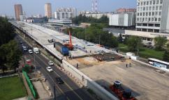 К октябрю на пересечении МКАД с вылетными магистралями появится новый двухслойный асфальт