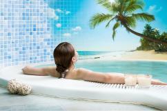 Как облицевать ванную комнату светлой мозаикой