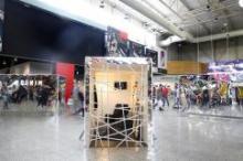 Фэшн-инсталляция в «Мега Дыбенко»