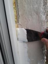 Однокомпонентные герметики помогут утеплить оконные швы